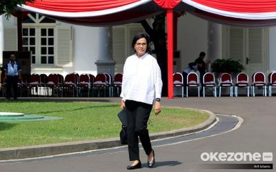 Perempuan Pertama yang Jadi Menteri, Intip 5 Gaya Sri Mulyani di Istana