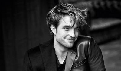 Robert Pattinson Ungkap Inspirasi Vokal untuk Batman