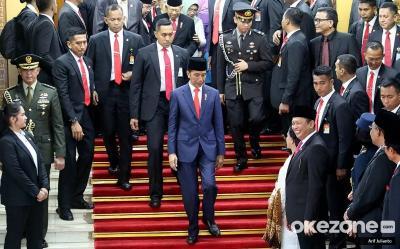 Jokowi Kenalkan Kabinet Indonesia Maju, Netizen Malah Buat JokowiSitChallenge