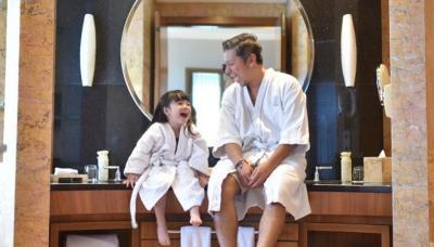 Hari Ayah Nasional, Intip Kedekatan 5 Hot Daddy Ini dengan Anaknya