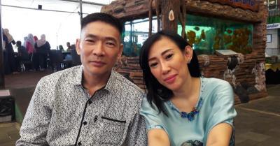 Tengah Hamil, Dewi Sanca Tepergok Jalan Bareng Pria Bukan Suami