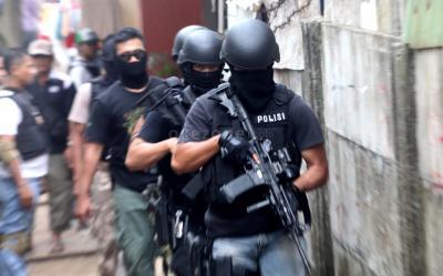 Densus 88 Amankan Enam Terduga Teroris di Kampar Riau
