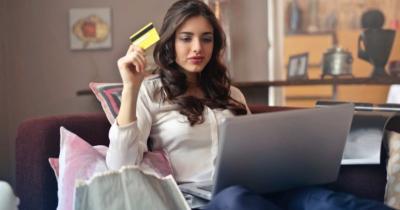 Peneliti Ungkap Kebiasaan Belanja Online Bisa Pengaruhi Mental Seseorang