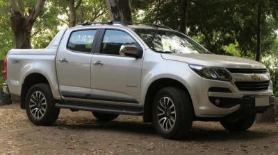 Deretan Mobil Kabin Ganda yang Tak Dianjurkan untuk Dibeli