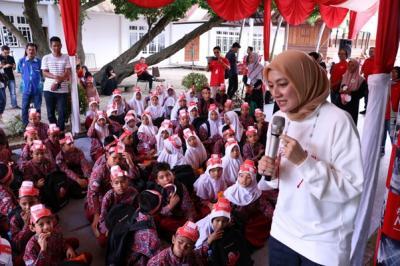 KejarMimpi CIMB Niaga, Cut Mini Wujudkan Mimpi Anak Aceh Lewat Dongeng