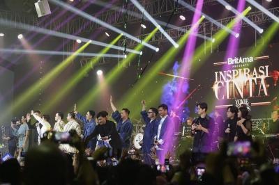 Yovie Widianto Bawakan Puluhan Hitsnya di Konser Inspirasi Cinta