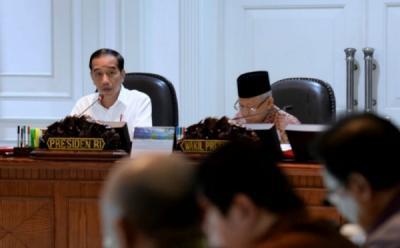 Berikan Arahan Pengadaan Alutsista, Jokowi : Kurangi Impor dan Perhatikan Perkembangan Teknologi