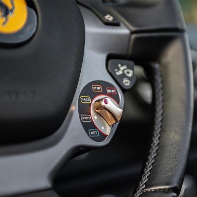 Modifikasi Setir, Ferrari 488 Ini Ada Emas Asli 18 Karat