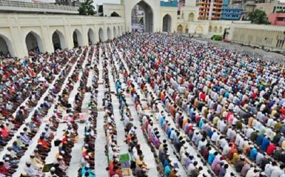 Cegah Pria Muslim Tinggalkan Salat Jumat, Politikus Ini Dukung Hukuman Penjara