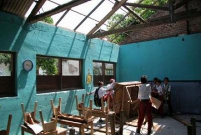 Ruang Sekolah Rusak Berat, Pemda Diimbau Optimalkan 20% APBD