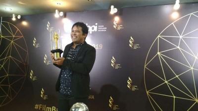 Lewat Kucumbu Tubuh Indahku, Whani Dharmawan Sabet Piala Citra FFI 2019