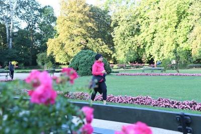 Hidup Sehat ala Menlu Retno Marsudi, Jalan Kaki di New York hingga Jogging ke Budappest