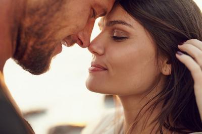 4 Tanda Suami Anda Seorang Hiperseks