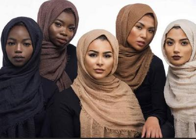 Tantangan Desainer Indonesia Mengenalkan Busana Syari di Eropa