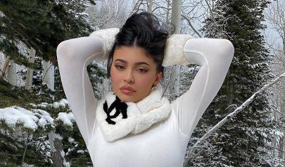 4 Gaya Kylie Jenner Tetap Hot di Musim Dingin