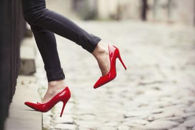 7 Model Sepatu Wanita yang Bakal Tren Tahun Depan, Bisa Dicoba Nih