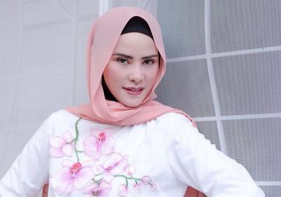 Vicky Prasetyo Tak Ditahan, Angel Lelga Legawa