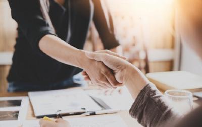 Tips Ampuh Langsung Akrab dengan Orang yang Baru Dikenal