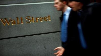 Fed Tahan Suku Bunga, Wall Street Menguat