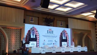 Lantik Pengurus IAEI, Sri Mulyani Soroti Isu SDM hingga Reformasi Ekonomi