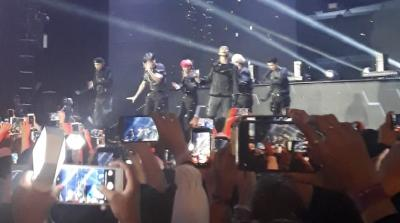Serba Hitam, EXO Tampil Gahar Nyanyikan Love Shot