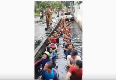 Ketua DPRD DKI Minta Copot Semua Pihak yang Terlibat Insiden Pegawai Honorer Masuk Got