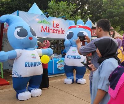 Le Minerale Dukung Festival Gerakan Warung Nasional