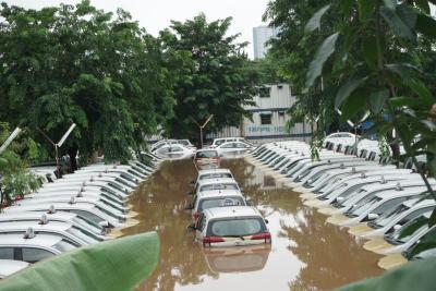 Adab Menjual Mobil Bekas Terendam Banjir dalam Islam