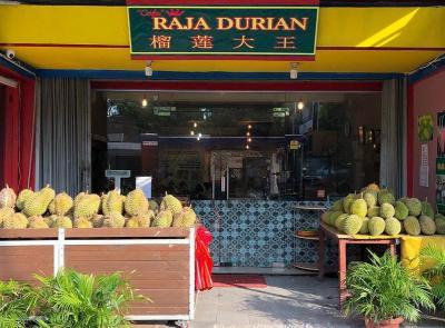 3 Tempat Ini Punya Es Krim, Sop hingga Pancake Durian yang Enak