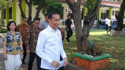 Beri Sinyal Sandiaga Kandidat Capres 2024, Jokowi: Semua Kita Dukung
