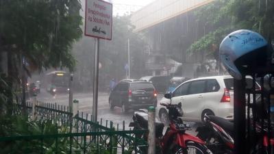 Hujan Intai Jakarta di Akhir Pekan