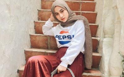 4 Gaya Hijab Fashionable yang Cocok untuk ke Kampus