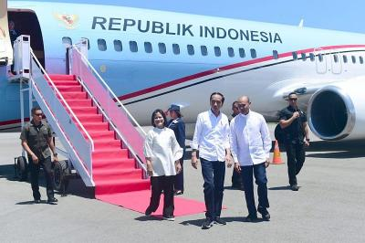 Ke Labuan Bajo, Jokowi & Ibu Negara Tinjau Pembangunan Bandara hingga Resmikan Hotel
