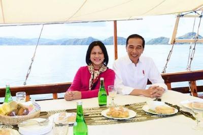 Intip Gaya Rambut Baru Iriana Jokowi, Terlihat Lebih Muda!