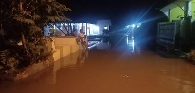 BPBD Sebut Banjir di Desa Gamel Cirebon Akibat Jebolnya Tanggul
