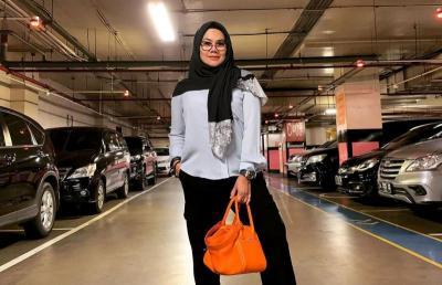 Jual Rumah Mewah, Sarita Abdul Mukti Bantah Terlilit Utang