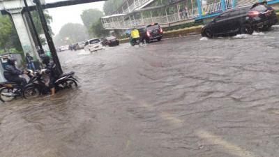 Jakarta Hujan Deras, Sunter dan Gunung Sahari Tergenang