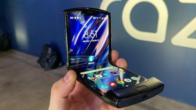 Februari, Motorola Bakal Luncurkan Ponsel Lipat Razr