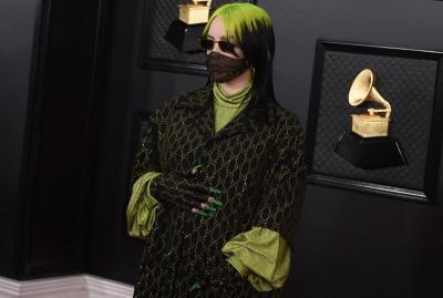 8 Selebriti dengan Gaun Terbaik di Grammy 2020