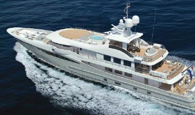 Intip Penampakan 2 Kapal Cruise Terbesar Parkir di Pelabuhan Benoa