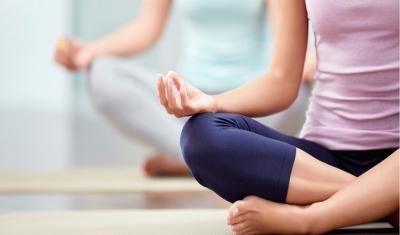Cegah Otot Kaku, Coba 4 Gerakan Stretching Ini Yuk