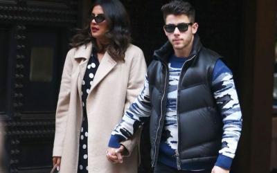Black is New Pink, Gaya Beda Priyanka Chopra dan Nick Jonas Rayakan Valentine