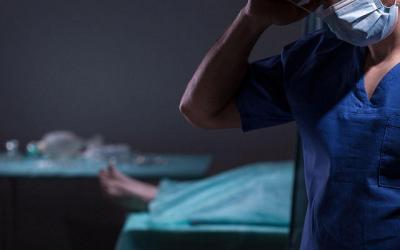 Cekcok dengan Pacar, Seorang Pria Nekat Bunuh Diri di Flyover Senen