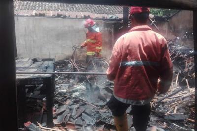 Niat Ingin Membakar Sampah, Api Justru Menyambar Dapur