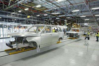 Pasokan Menipis, Jaguar Land Rover Terbangkan Langsung Suku Cadang dari China