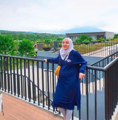 4 Inspirasi Outfit Hijab untuk Bumil, Simple dan Stylish