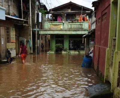 Banjir Rendam Perumahan Pulomas, Warga Mengungsi