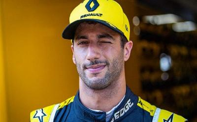 Verstappen: Senyum Ricciardo Makin Lebar jika Naik Podium dan Menang