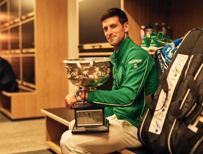 Federer Nilai Djokovic Pantas Sabet Gelar Juara Australia Open 2020