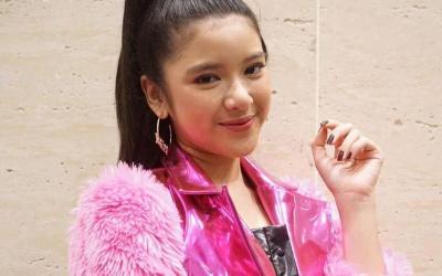 Tampilan Girly ala Tiara Indonesian Idol